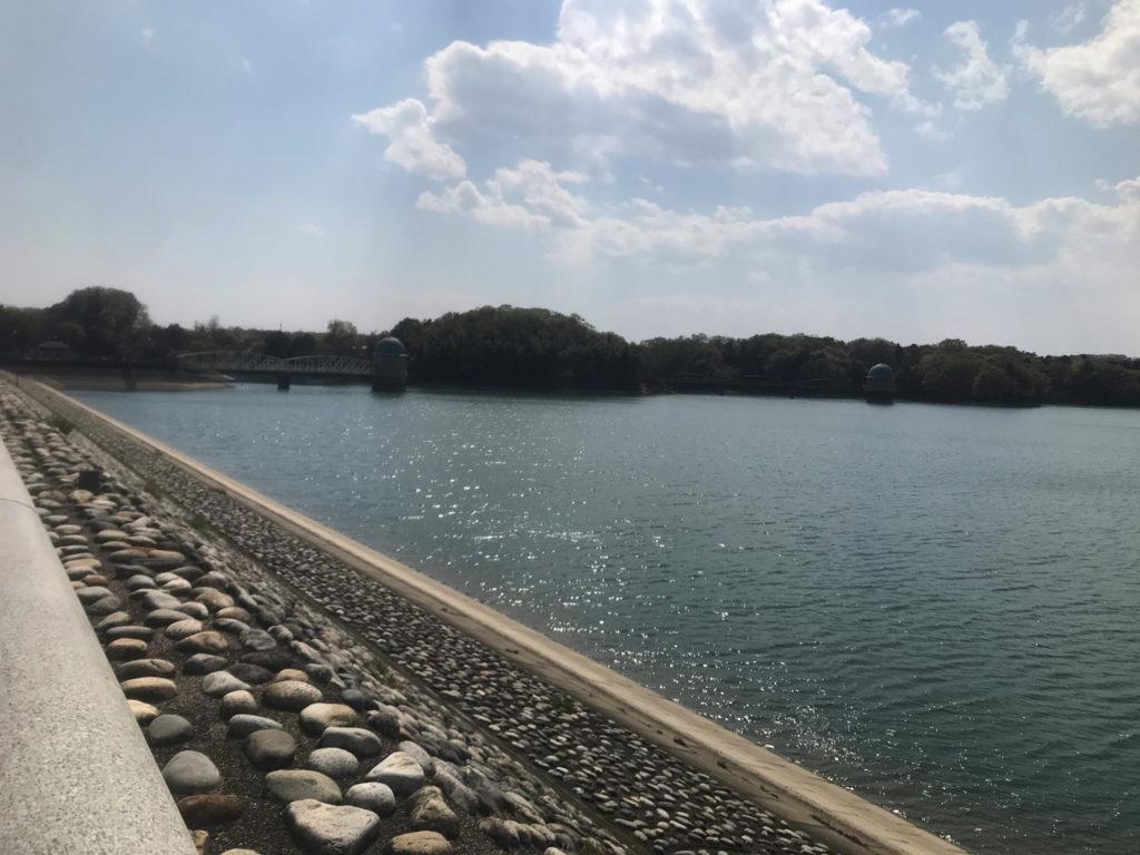 狭山湖なのか多摩湖なのか不明