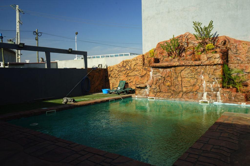 アンゴラにある邸宅のプール