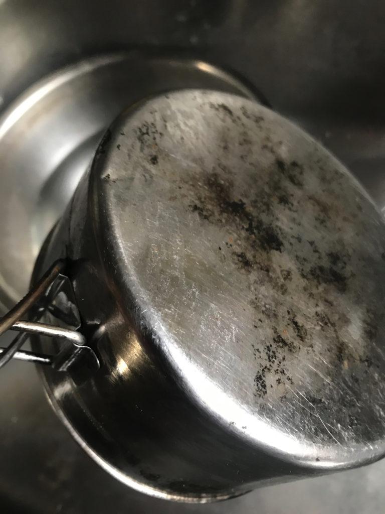 重曹煮沸後のステンレスクッカー