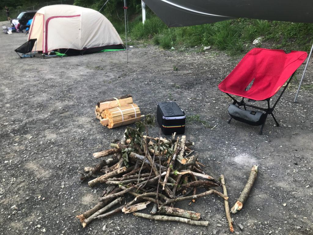 一晩使う薪たち