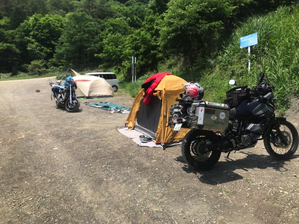 浩庵キャンプ場 湖畔サイトから一つ上のサイトを確保