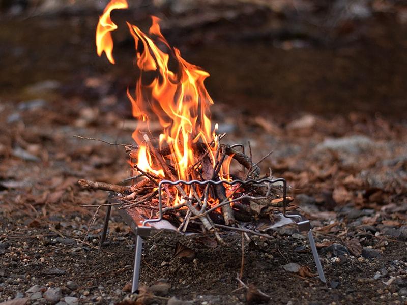 秘密のグリルちゃんで焚火シーン
