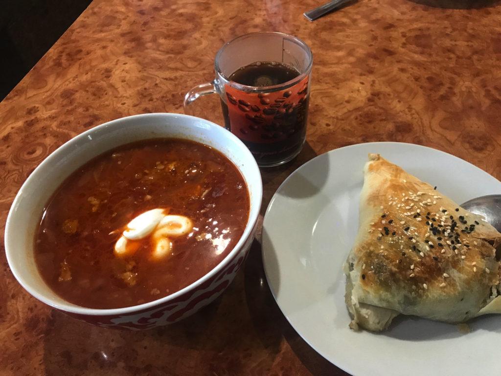 ロシアカフェでの朝食