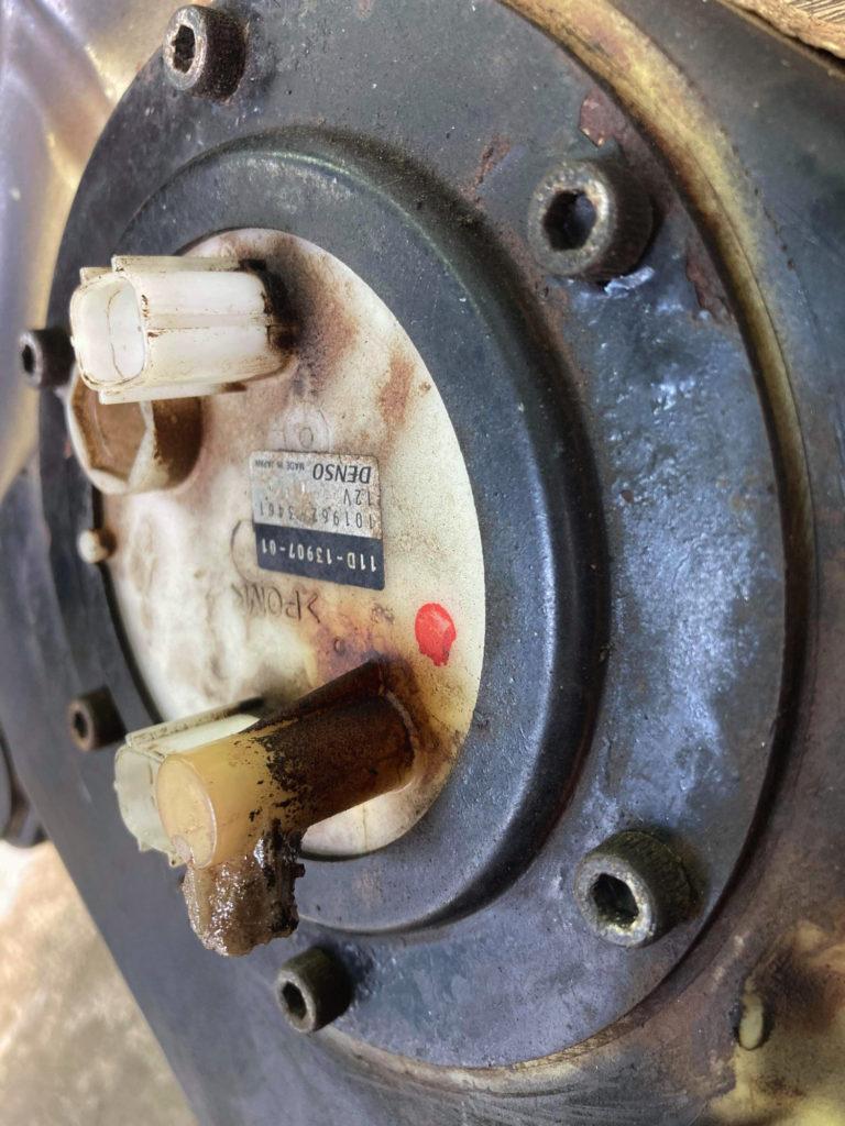 XT660Z燃料ポンプ破損箇所